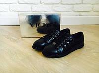 Спортивные туфли женские польского бренда Vices черные с тесьмой