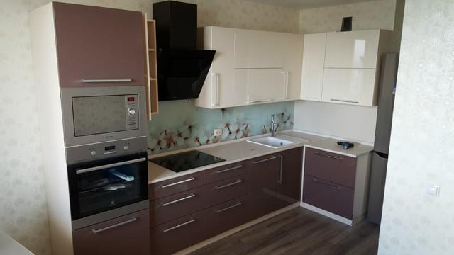 угловая кухня в проекте