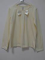 Трикотажная блузка молочного цвета