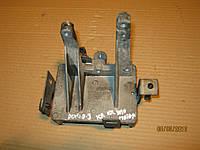 Кронштейн крепления блока управления мотором Фиат Добло / Fiat Doblo 1.4i 55203464 / 5 520 3464