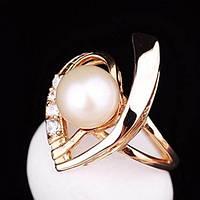 Женское золотое кольцо (культивированный пресноводный жемчуг,фианиты)
