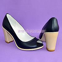Кожаные женские туфли синего цвета на устойчивом высоком каблуке. , фото 1