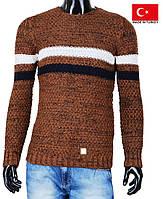 Теплый свитер для мальчика-подростка