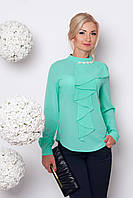 Модная блуза с жабо и воротником стоечкой