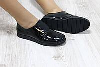 Туфли на резинке,черный лак
