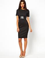 Платье футляр черного цвета со вставкой из искусственной кожи на поясе