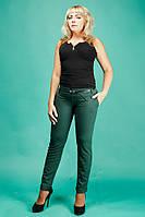 Стильные женские брюки зелёного цвета