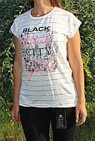 Модная женская футболка. Black White City