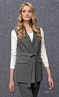 Женская теплая жилетка серого цвета в деловом стиле. Модель Natasza Zaps, коллекция осень-зима 2017.