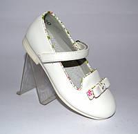 Белые туфли с бантиком для девочки