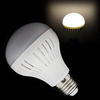 Энергосберегающая светодиодная лампочка на 9W E27, GU10