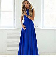 Длинное платье без рукавов с расклешенной юбкой