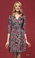 Женское трикотажное платье серого цвета с цветочным рисунком. Модель Vena Zaps.