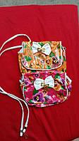 Стильная детская сумочка в цветочный принт