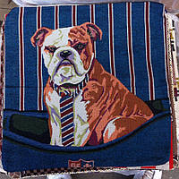 Декоративная наволочка с вышивкой собака1