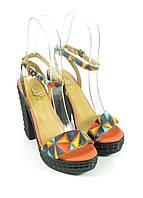 Женские стильные босоножки черные на каблуке