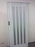 Дверь гармошка остекленная белый ясень 610 серебро