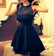 Короткое комбинированное платье без рукавов с многослойной юбкой