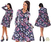 Джинсовое осеннее платье с абстрактным принтом