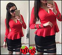 Платье с баской и сеткой черно-красное