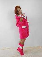 Малиновый махровый халат с капюшоном  в комплекте с сапожками