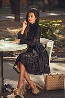 Короткое платье  с воротником-стойка  и  длинным рукавом с воланами