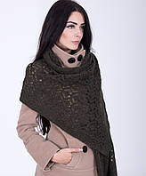 Модная женская ажурная шаль оливкового цвета