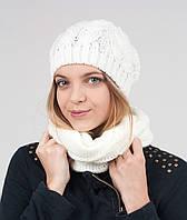 Модный женский комплект из шапочки и шарфа-хомута.