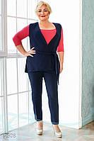 Элегантный женский брючный костюм: брюки + жилет.