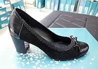 Женские кожаные туфли на каблуке 37р