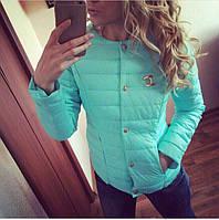 Женская мятная курточка шанель со значком