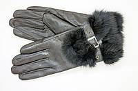 Перчатки с мехом черного цвета