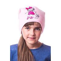 Модная детская шапочка на девочку с маленькой леди и собачкой