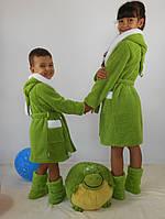 Детский зеленыйз махровый халат Зайка