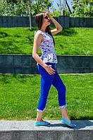 Женский стильный летний костюм с синими брюками