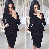 Женское черное платье с баской из велюра