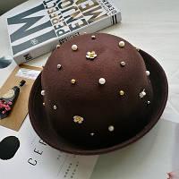 Шляпа фетровая котелок с бусинами коричневая