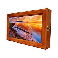 Ключница настенная деревянная 36х22см с фото под стеклом