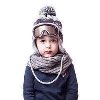 Детская вязаная шапка на мальчика лыжник