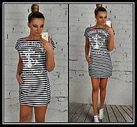 Короткое платье в полоску с карманами, с якорем и надписью