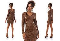 Осеннее приталенное платье мини с отделкой пуговицами