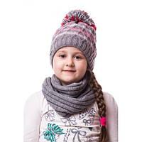 Детская вязаная шапка на девочку полосатая с помпоном