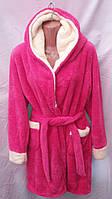 Женский махровый халат с капюшоном и контрастной вставкой