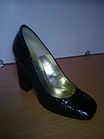 Туфли женские лаковые черные