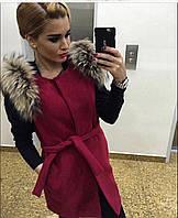 Женская жилетка с мехом енота
