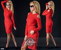 Платье красное с длинным рукавом