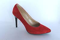 Женские замшевые туфли-лодочки красного цвета