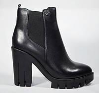 Стильные женские ботильоны ботинки Mainila на устойчивом каблуке