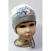 Вязанные шапки на мальчика осень весна 44-46 вышивка машинка акрил на завязках (цвета в ассортименте)