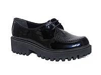 Женские лаковые туфли на низком ходу с рельефом рептилии